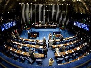Senado aprova PEC que proíbe criação de despesas sem receitas
