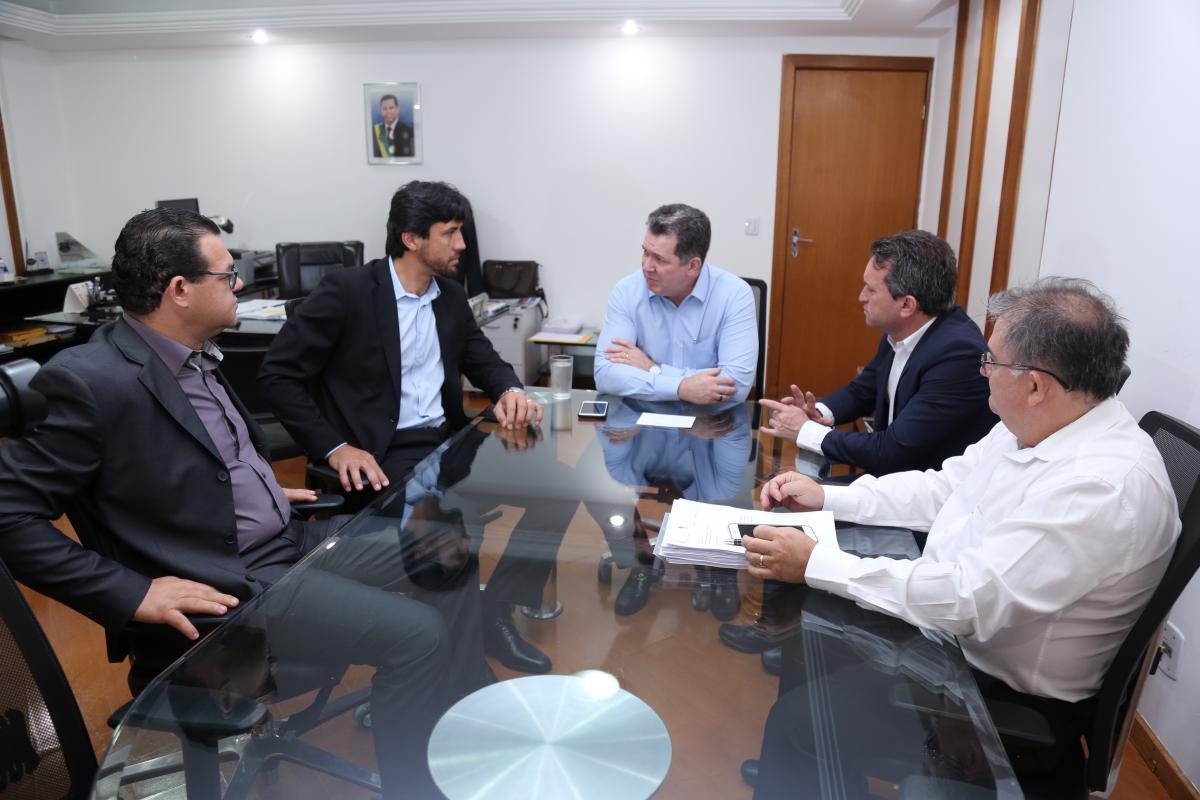 Governo Estadual anuncia repasse de recursos aos municípios