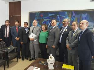 Presidente da AGM se reúne com Renan Calheiros