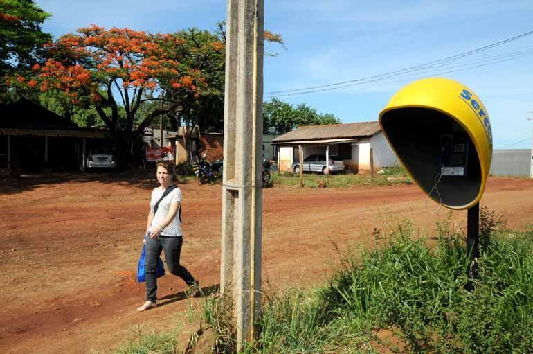 Vilarejos podem solicitar instalação de telefone público
