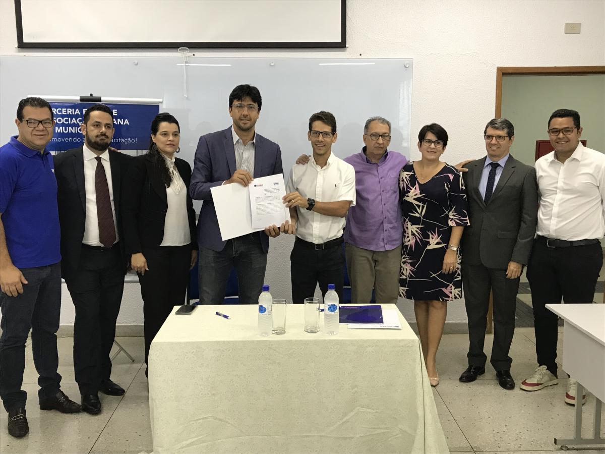 AGM e FASAM assinam convênio beneficiando os municípios