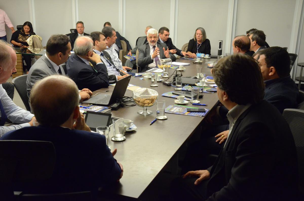 CNM promove discussão com entidades estaduais sobre Previdência e Eleições Gerais