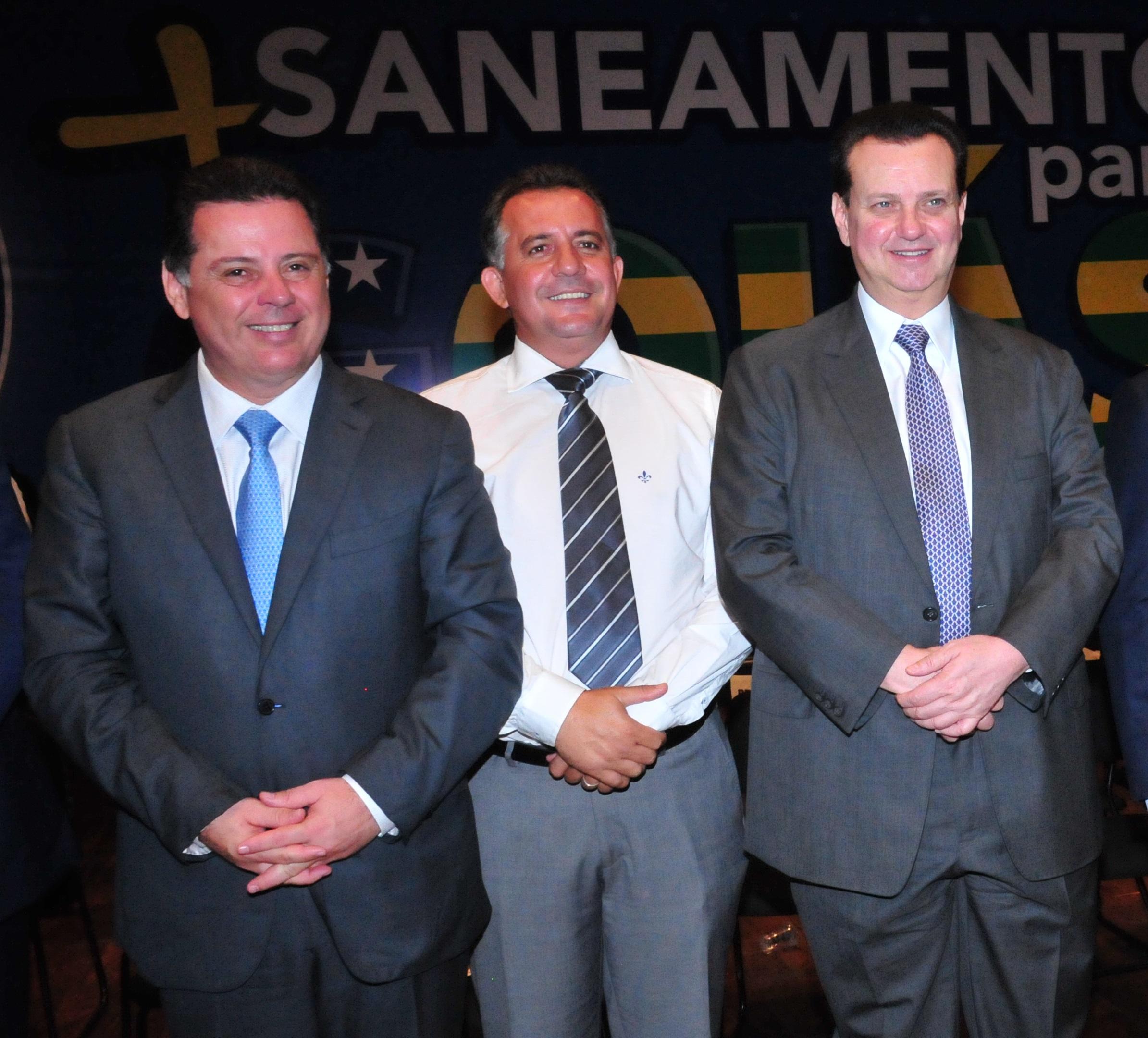 Ministro Gilberto Kassab participa de solenidade em Goiânia