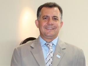 Cleudes Baré comemora aprovação do ISS no Senado