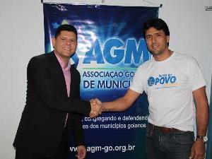 AGM fecha parceria com Banco do Povo