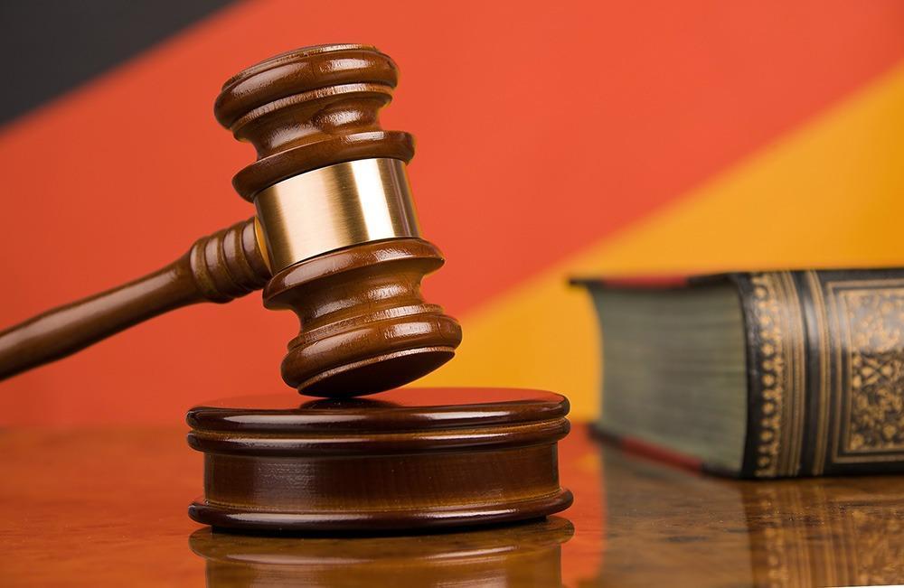 AGM comemora decisão judicial liberando a aquisição retroescavadeiras