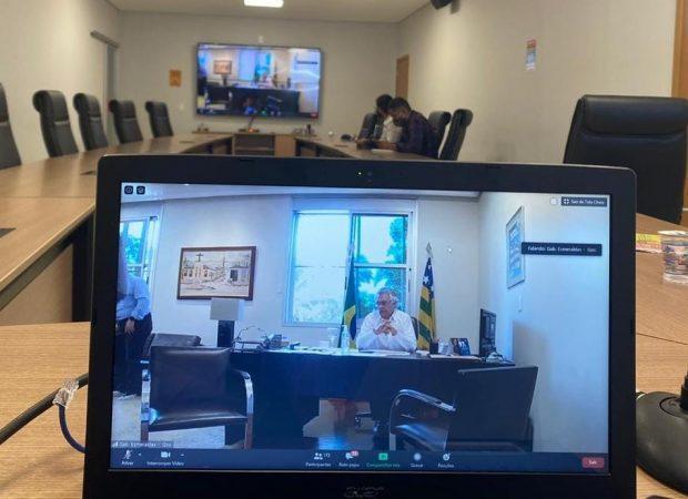 Governo Estadual discute com prefeitos endurecimento de medidas contra a Covid-19