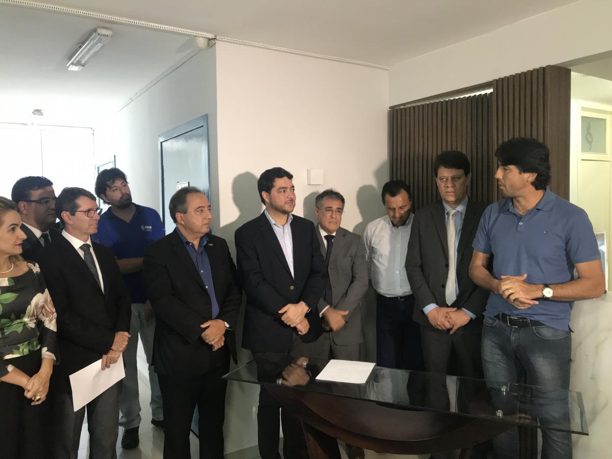 Paulinho se licencia da presidência da AGM e assume Kelson Vilarinho
