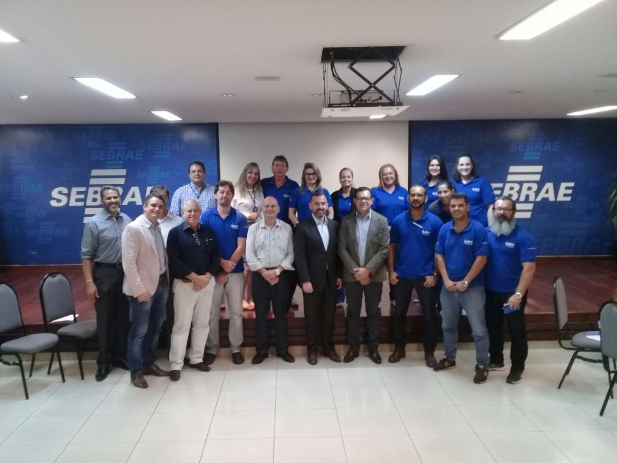 AGM e SEBRAE intensificam parcerias em benefício dos municípios