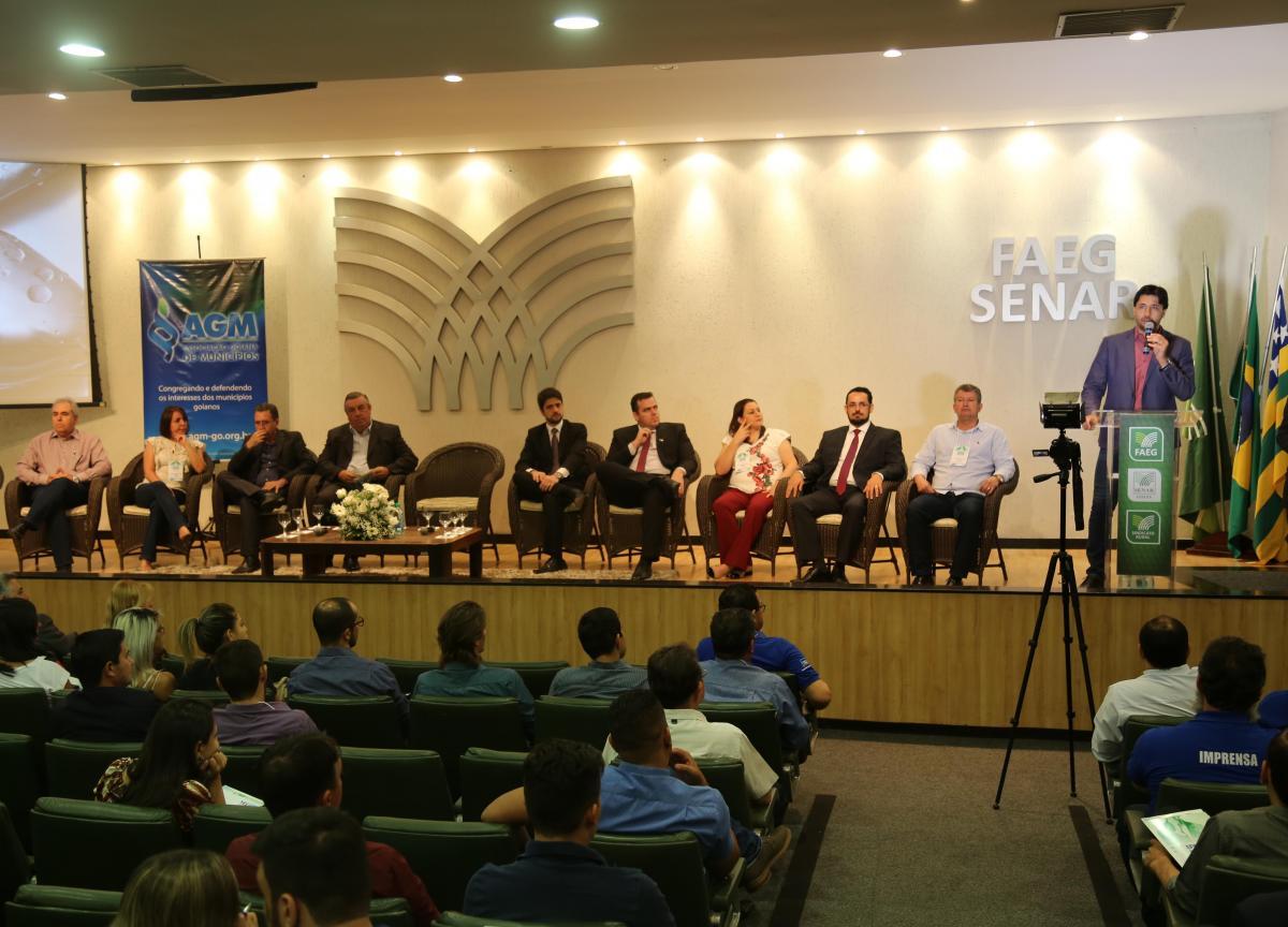 Curso promovido pela AGM reúne prefeitos e servidores municipais