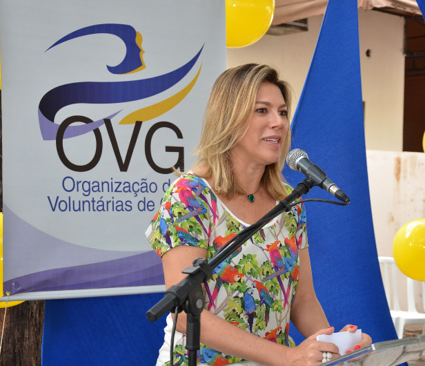 OVG apresenta programas sociais a prefeitas e primeiras-damas
