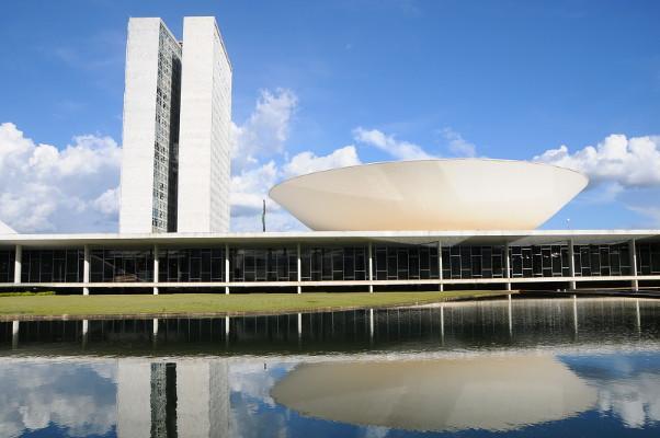 Câmara aprova, com modificações, o projeto de auxílio a Estados e municípios